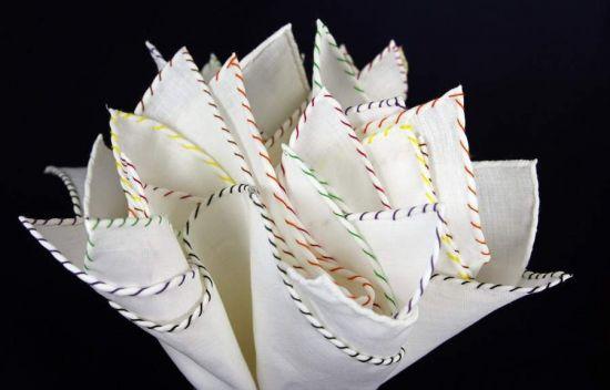Biała lniana poszetka z kolorowym obszyciem- jeden kolor