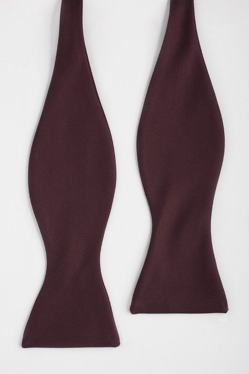 Burgundy Macclesfield bow tie