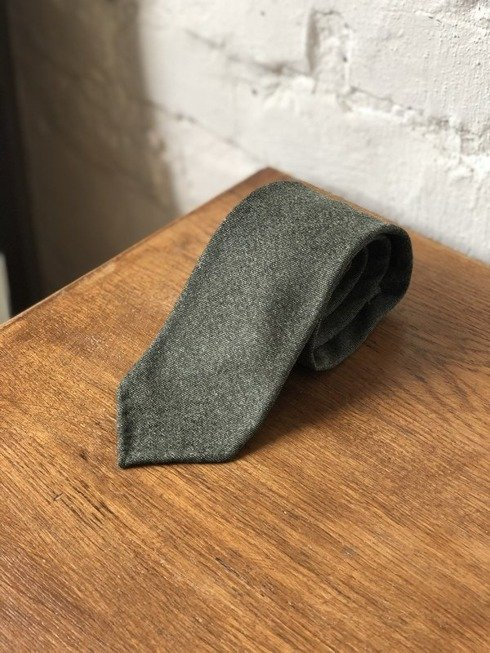 GREEN FLANNEL UNTIPPED HANDROLLED TIE
