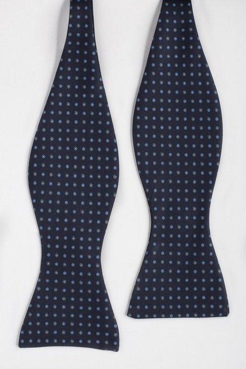 navy Macclesfield bow tie