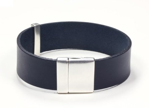 NAVY Leather bracelet