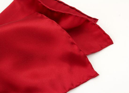 czerwona satyna jedwabna