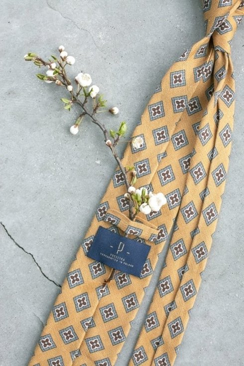 self-tipped printed linen yellow TIE